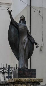 monumento_a_madre_caterina_troiani